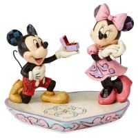 FIGURA MICKEY AND MINNIE MAGICAL MOMENT